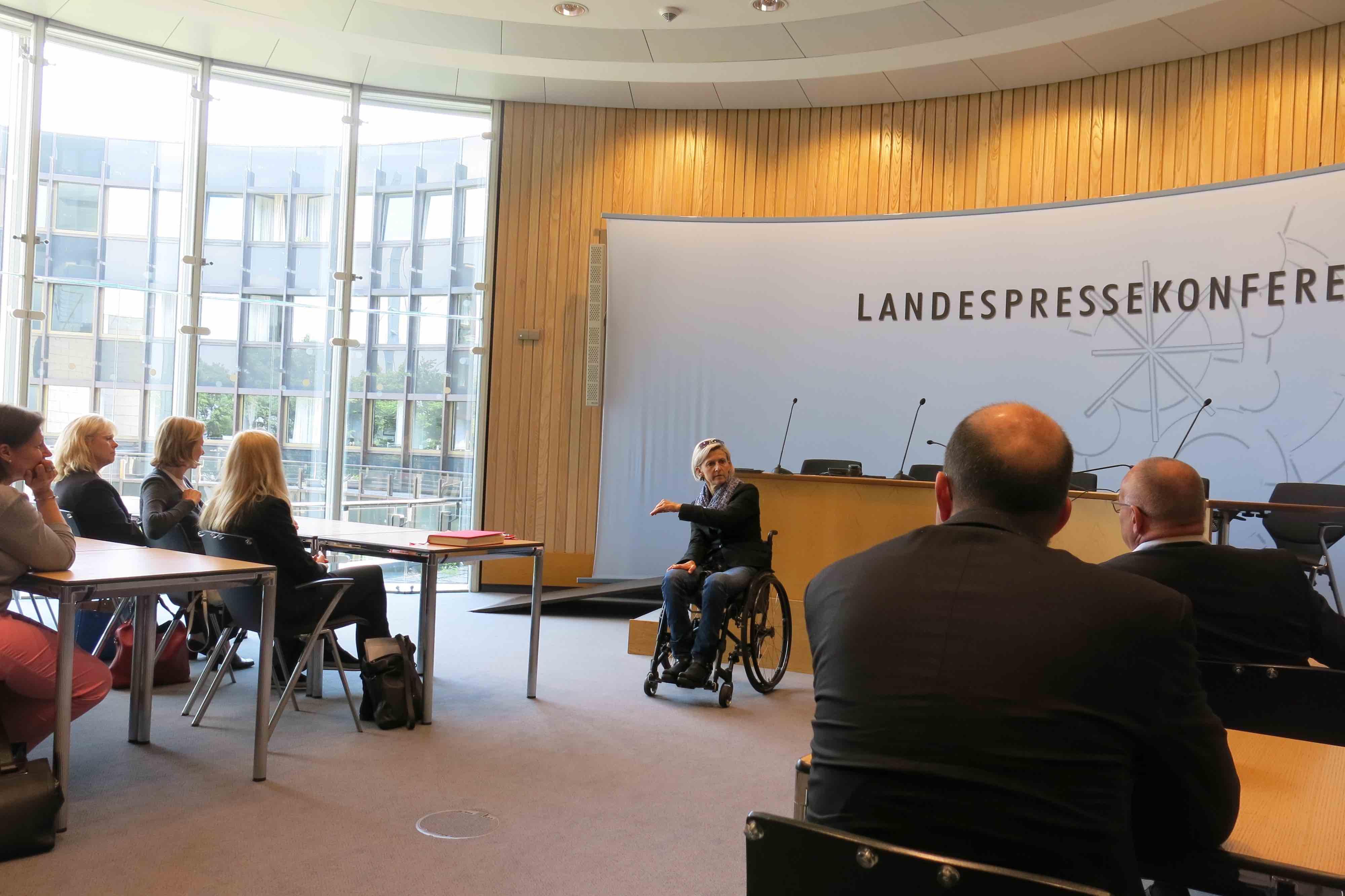 09_Juni_2016_Landtag_Duesseldorf_bei_der_Landtagsabgeordneten_Frau_Steinmann